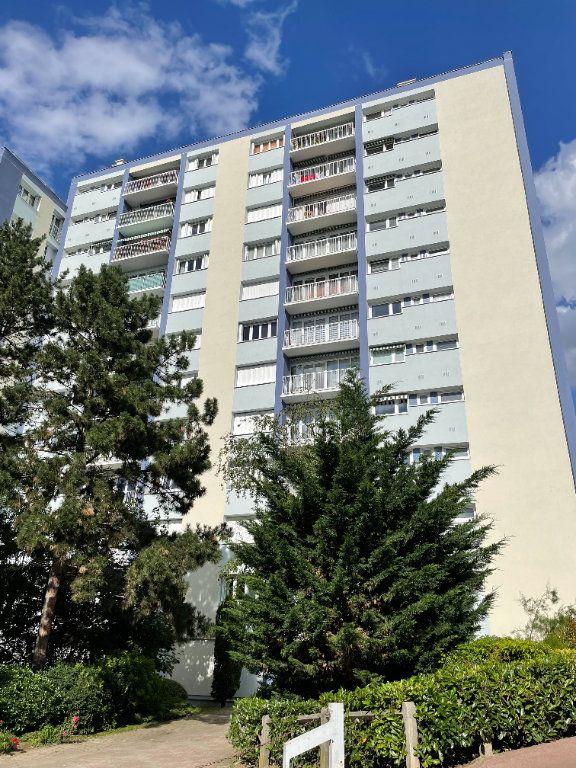 Appartement à louer 4 82m2 à Fontenay-sous-Bois vignette-1