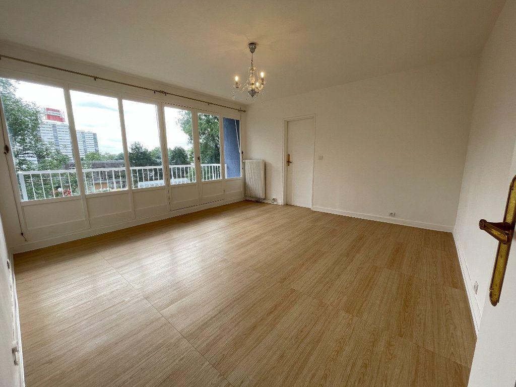 Appartement à louer 4 82m2 à Fontenay-sous-Bois vignette-2