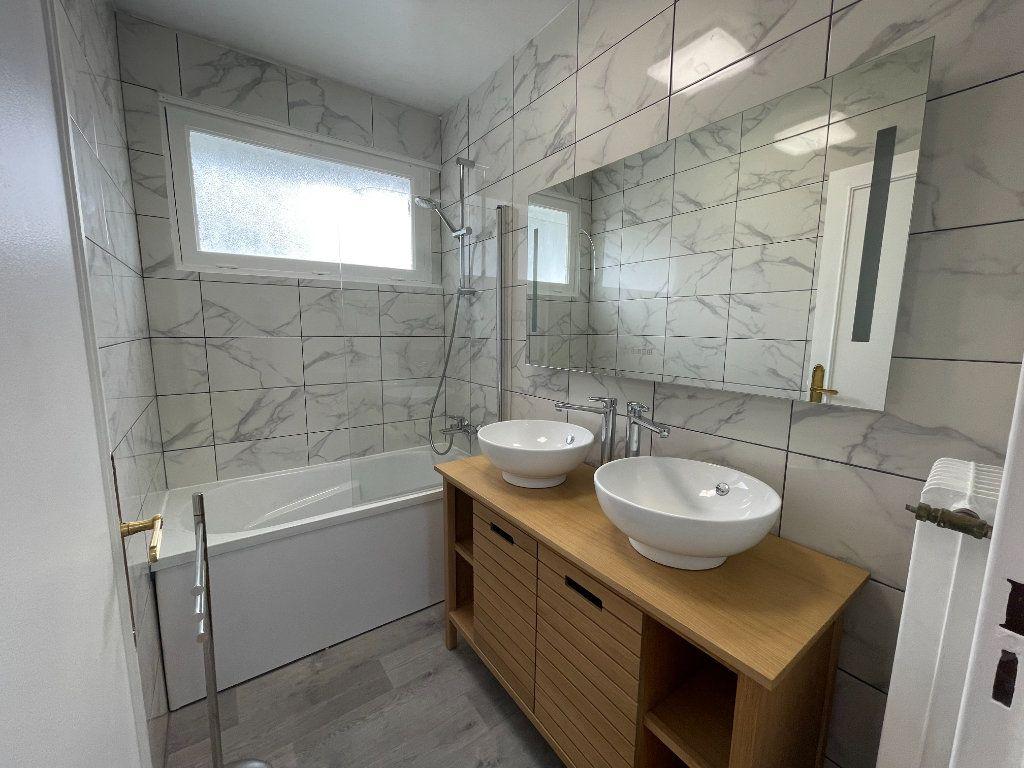 Appartement à louer 4 82m2 à Fontenay-sous-Bois vignette-4