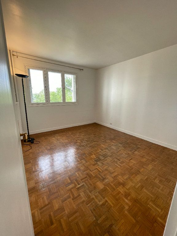 Appartement à louer 4 82m2 à Fontenay-sous-Bois vignette-5