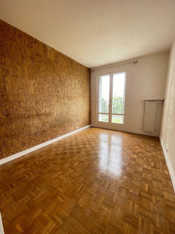 Appartement à louer 4 82m2 à Fontenay-sous-Bois vignette-6