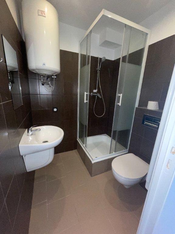 Appartement à louer 6 110.94m2 à Créteil vignette-5