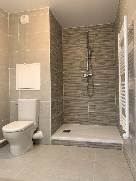 Appartement à louer 1 23m2 à Nogent-sur-Marne vignette-5