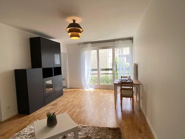 Appartement à louer 2 42.92m2 à Nogent-sur-Marne vignette-4