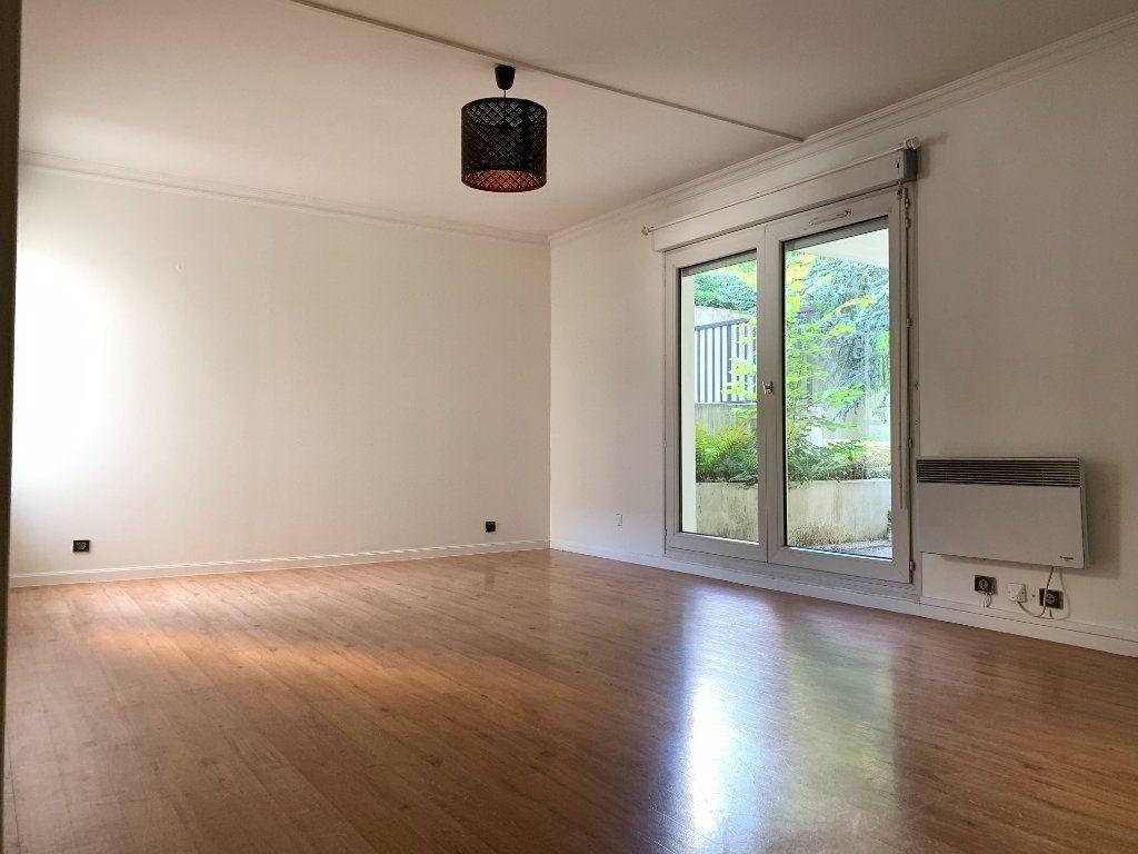 Appartement à louer 2 49.11m2 à Nogent-sur-Marne vignette-2