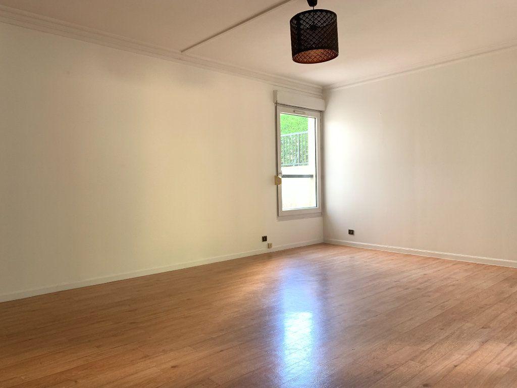 Appartement à louer 2 49.11m2 à Nogent-sur-Marne vignette-3