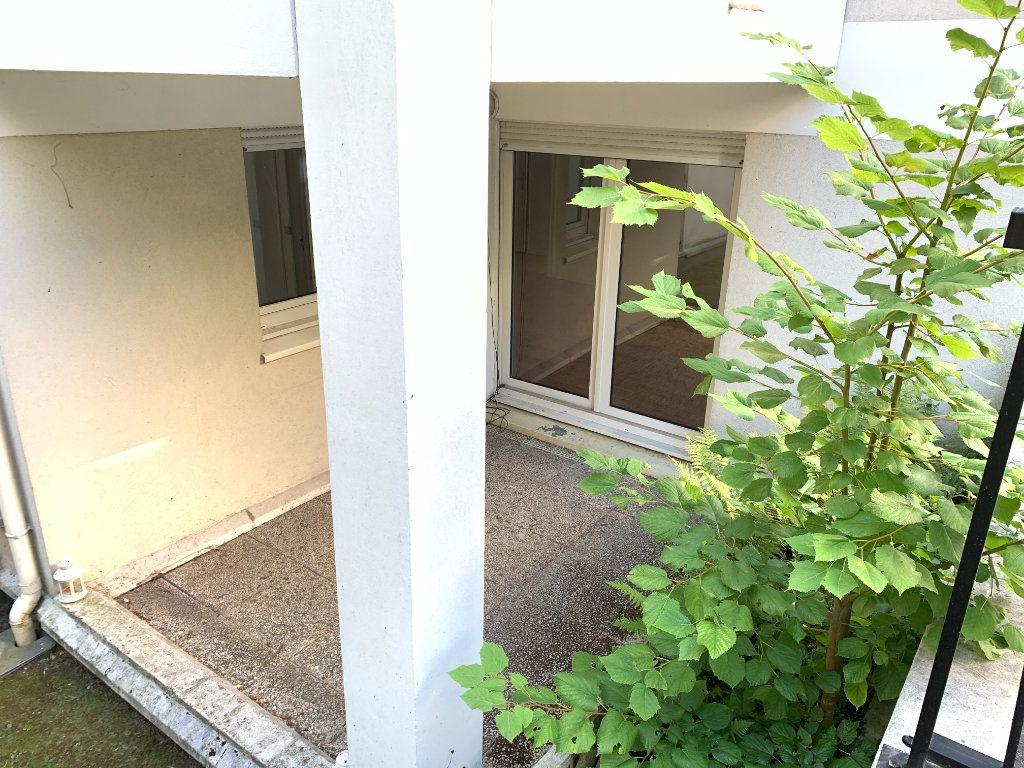 Appartement à louer 2 49.11m2 à Nogent-sur-Marne vignette-4