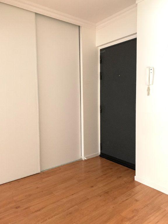 Appartement à louer 2 49.11m2 à Nogent-sur-Marne vignette-6