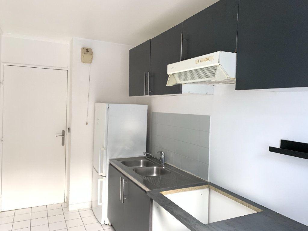 Appartement à louer 2 49.11m2 à Nogent-sur-Marne vignette-8