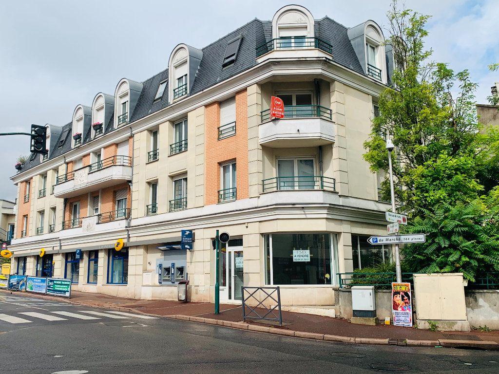 Appartement à louer 2 46m2 à Nogent-sur-Marne vignette-1