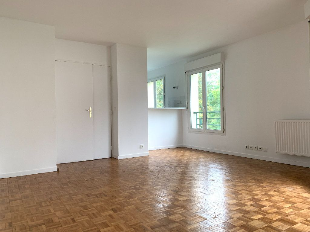 Appartement à louer 2 46m2 à Nogent-sur-Marne vignette-2