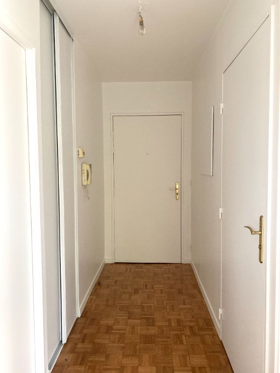 Appartement à louer 2 46m2 à Nogent-sur-Marne vignette-3