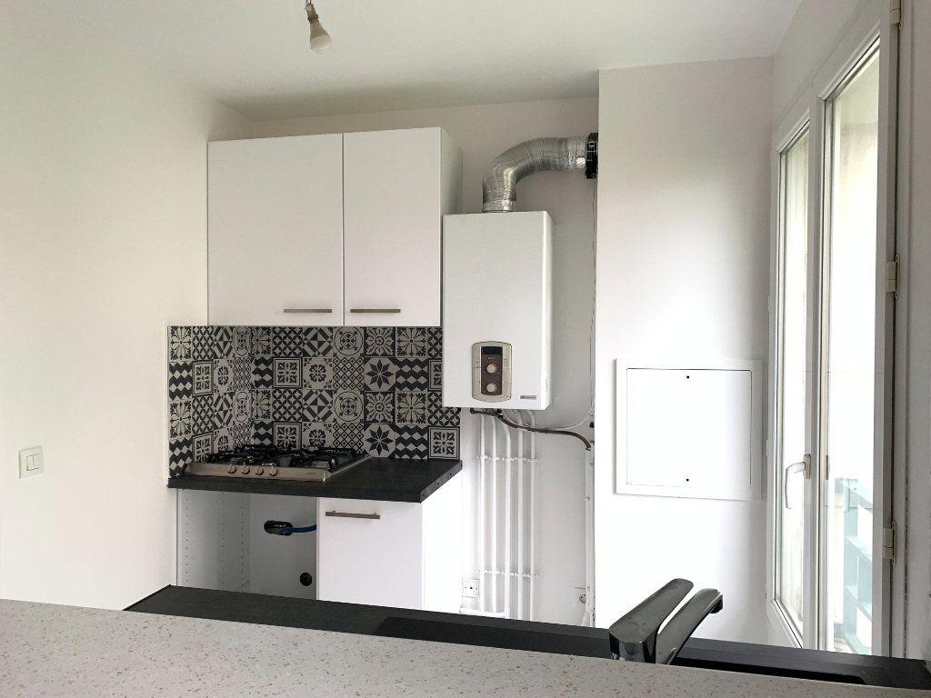 Appartement à louer 2 46m2 à Nogent-sur-Marne vignette-5