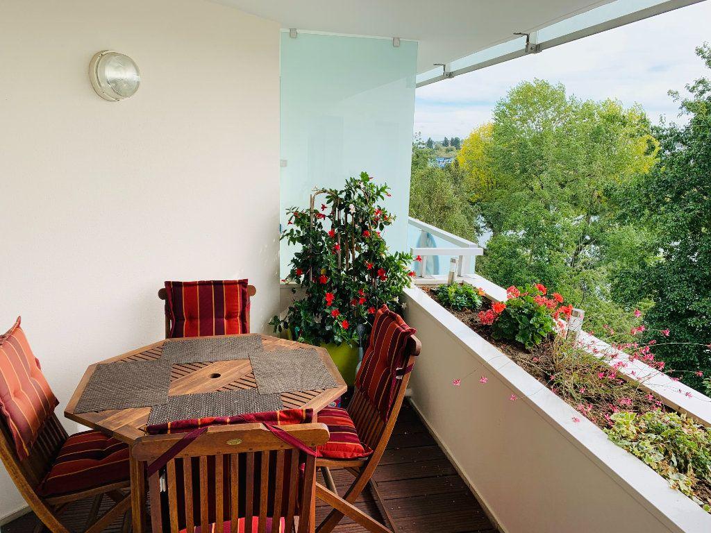 Appartement à louer 3 73.87m2 à Neuilly-Plaisance vignette-2
