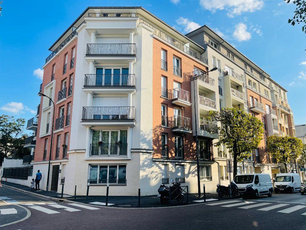 Appartement à louer 2 42.6m2 à Nogent-sur-Marne vignette-1