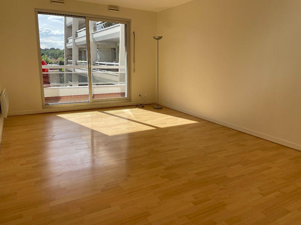 Appartement à louer 2 54.25m2 à Nogent-sur-Marne vignette-2