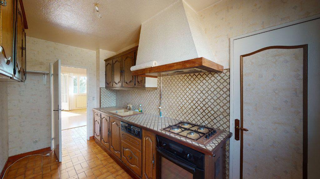 Appartement à vendre 4 74m2 à Le Plessis-Trévise vignette-6