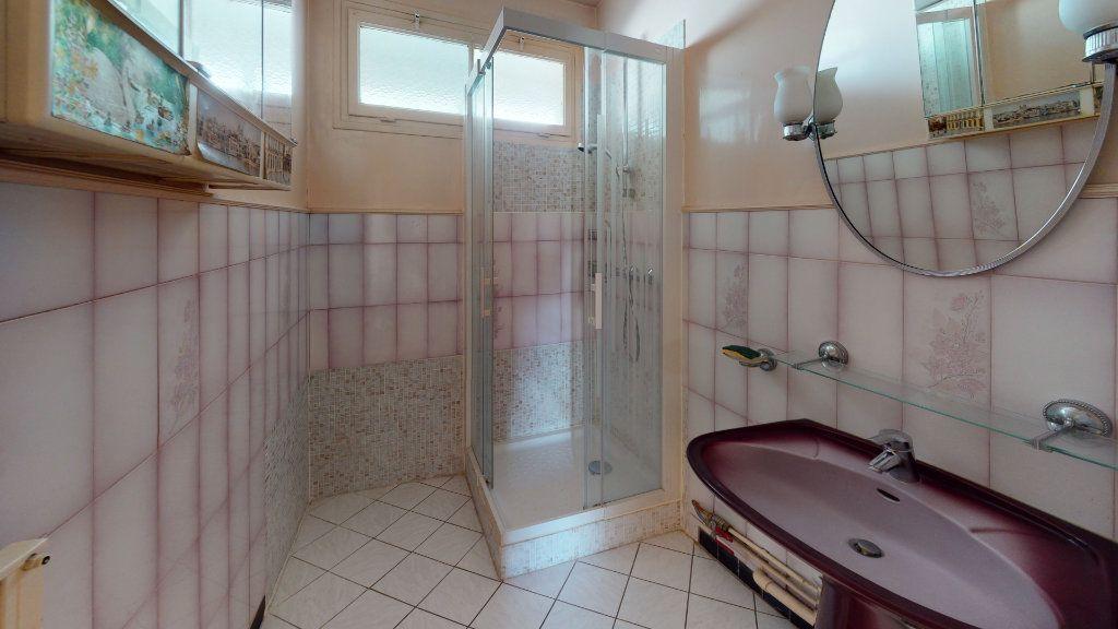 Appartement à vendre 4 74m2 à Le Plessis-Trévise vignette-7