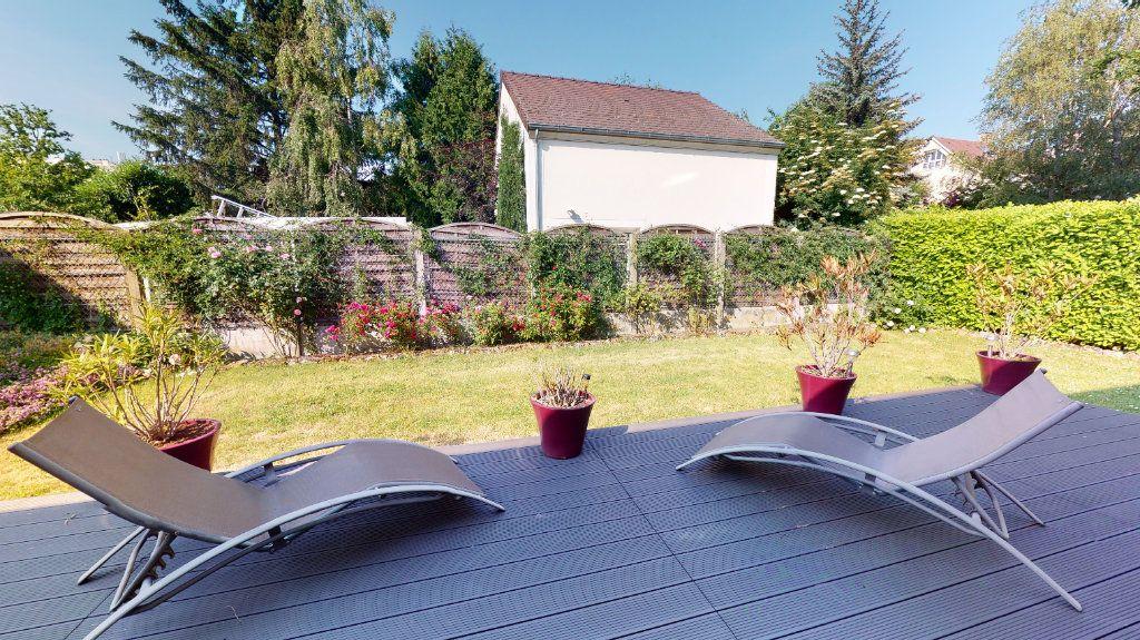 Maison à vendre 9 200m2 à Le Plessis-Trévise vignette-3