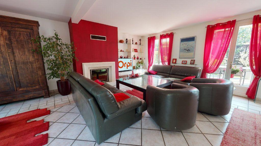 Maison à vendre 9 200m2 à Le Plessis-Trévise vignette-5