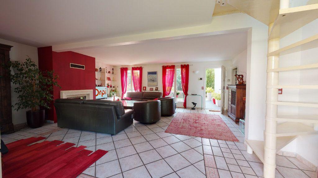 Maison à vendre 9 200m2 à Le Plessis-Trévise vignette-6