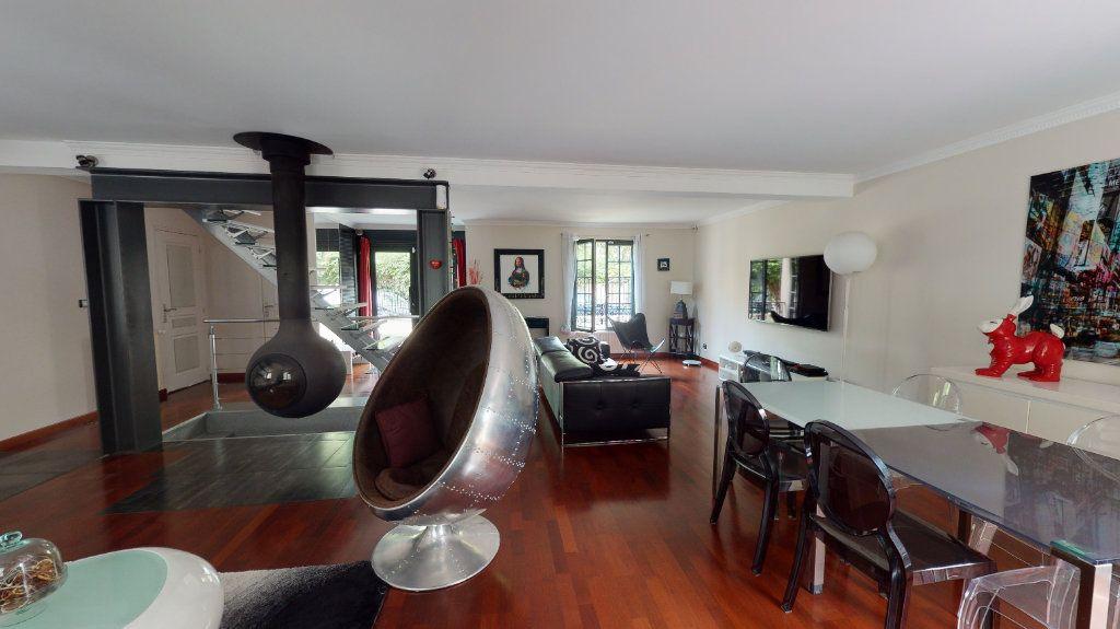 Maison à vendre 7 180m2 à Le Plessis-Trévise vignette-2