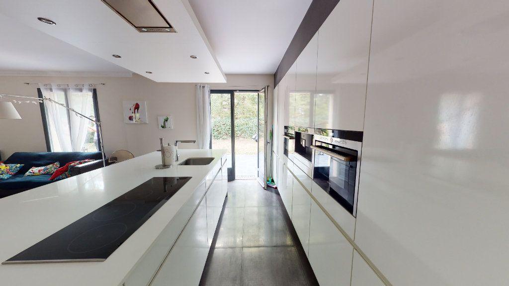 Maison à vendre 7 180m2 à Le Plessis-Trévise vignette-4