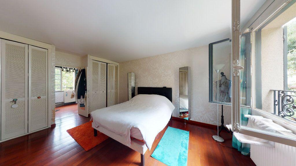 Maison à vendre 7 180m2 à Le Plessis-Trévise vignette-6