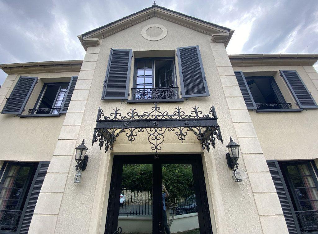 Maison à vendre 7 180m2 à Le Plessis-Trévise vignette-11