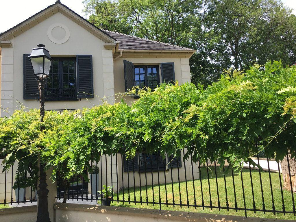Maison à vendre 7 180m2 à Le Plessis-Trévise vignette-13