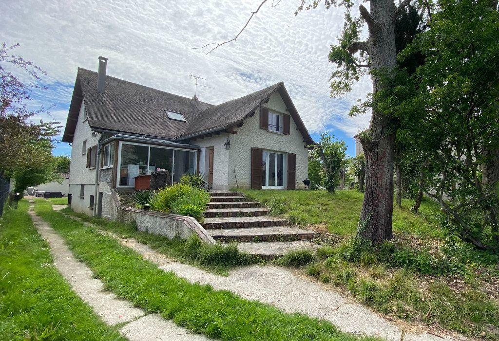 Maison à vendre 10 255m2 à Le Plessis-Trévise vignette-1
