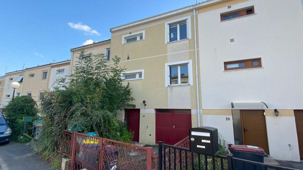 Maison à vendre 5 85m2 à La Queue-en-Brie vignette-1