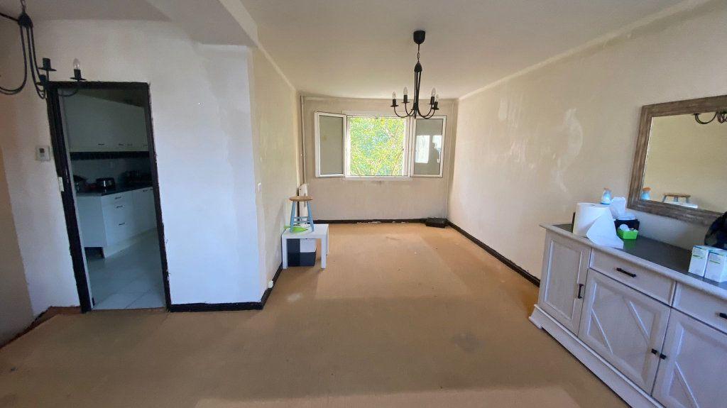 Maison à vendre 5 85m2 à La Queue-en-Brie vignette-2