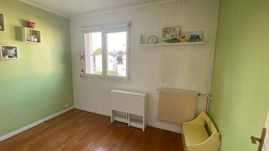 Maison à vendre 5 85m2 à La Queue-en-Brie vignette-7