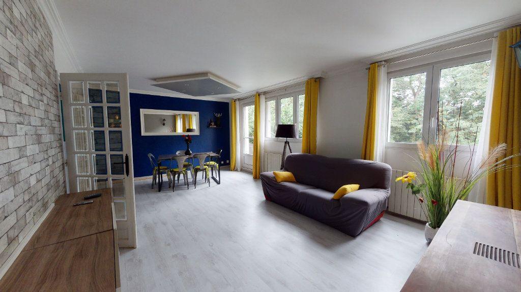 Appartement à vendre 4 66m2 à Le Plessis-Trévise vignette-2