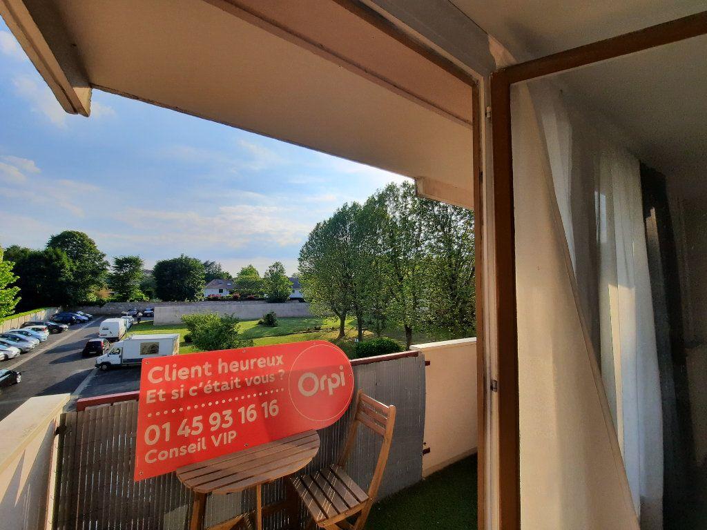 Appartement à louer 4 70.3m2 à Le Plessis-Trévise vignette-6