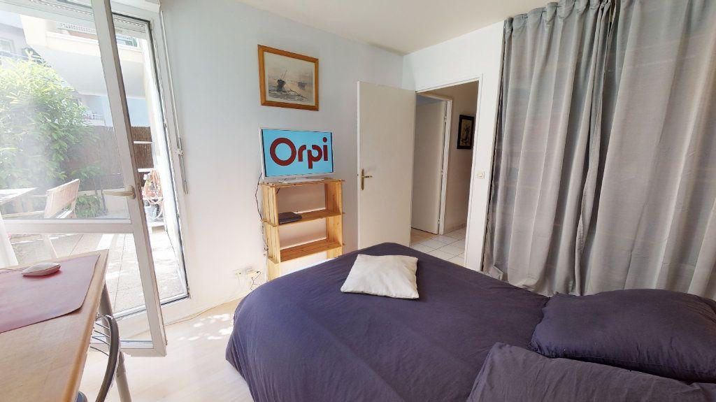 Appartement à vendre 3 68m2 à Le Plessis-Trévise vignette-6