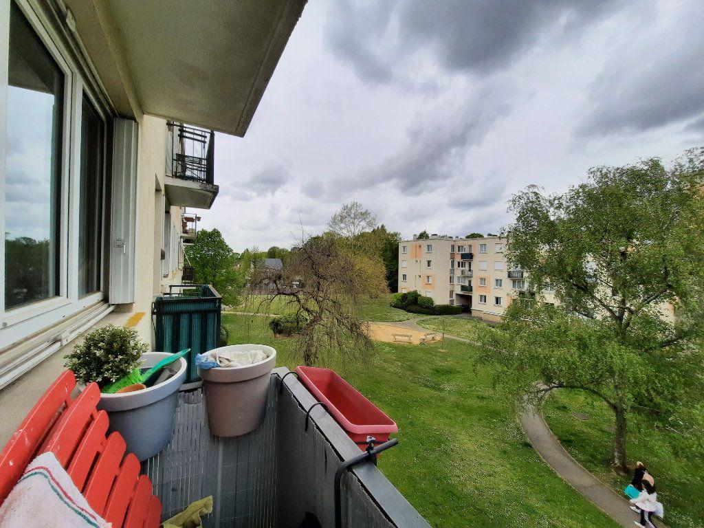 Appartement à louer 4 68.34m2 à Le Plessis-Trévise vignette-4