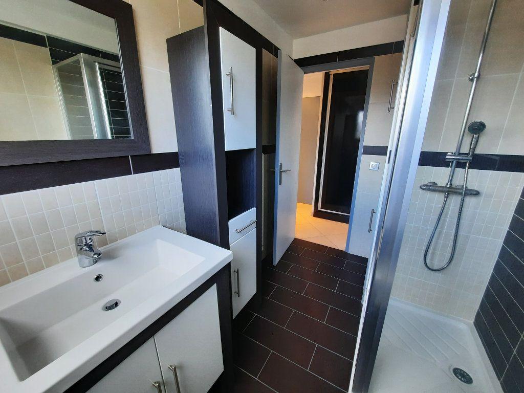 Appartement à louer 2 43.81m2 à Le Plessis-Trévise vignette-6