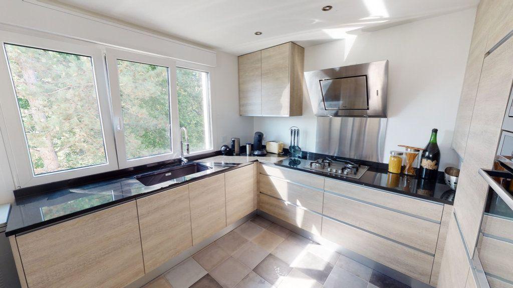 Appartement à vendre 5 94.64m2 à Le Plessis-Trévise vignette-5