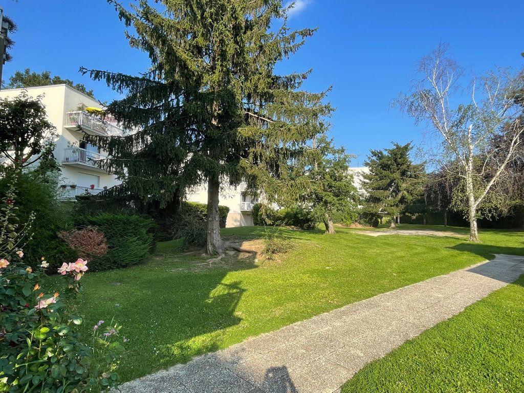 Appartement à vendre 5 94.64m2 à Le Plessis-Trévise vignette-11
