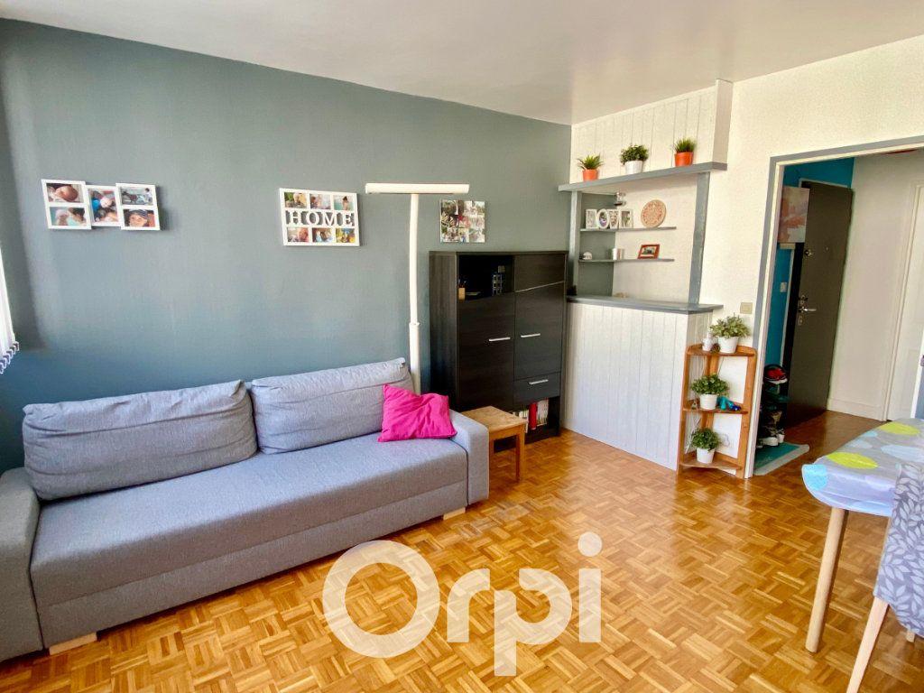 Appartement à vendre 3 56.81m2 à Le Plessis-Trévise vignette-1