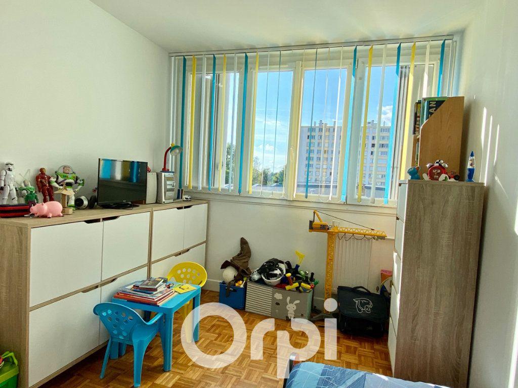 Appartement à vendre 3 56.81m2 à Le Plessis-Trévise vignette-4