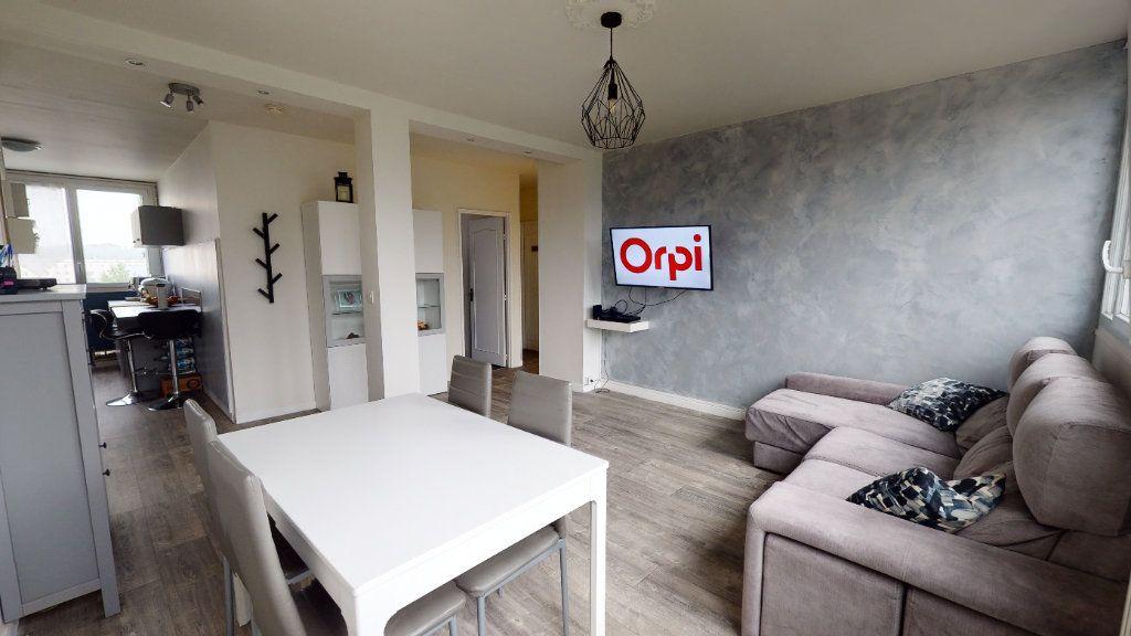 Appartement à vendre 4 69.16m2 à Le Plessis-Trévise vignette-1