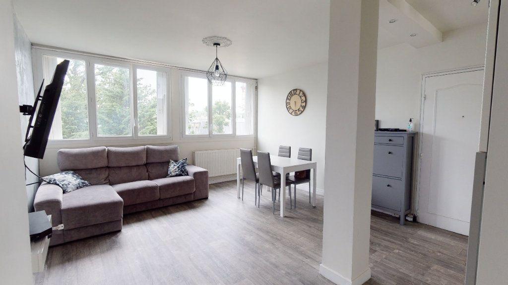 Appartement à vendre 4 69.16m2 à Le Plessis-Trévise vignette-2
