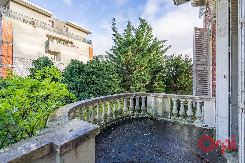 Maison à vendre 8 210m2 à Créteil vignette-8