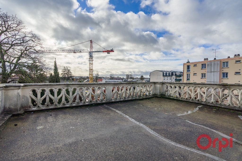 Maison à vendre 8 210m2 à Créteil vignette-9