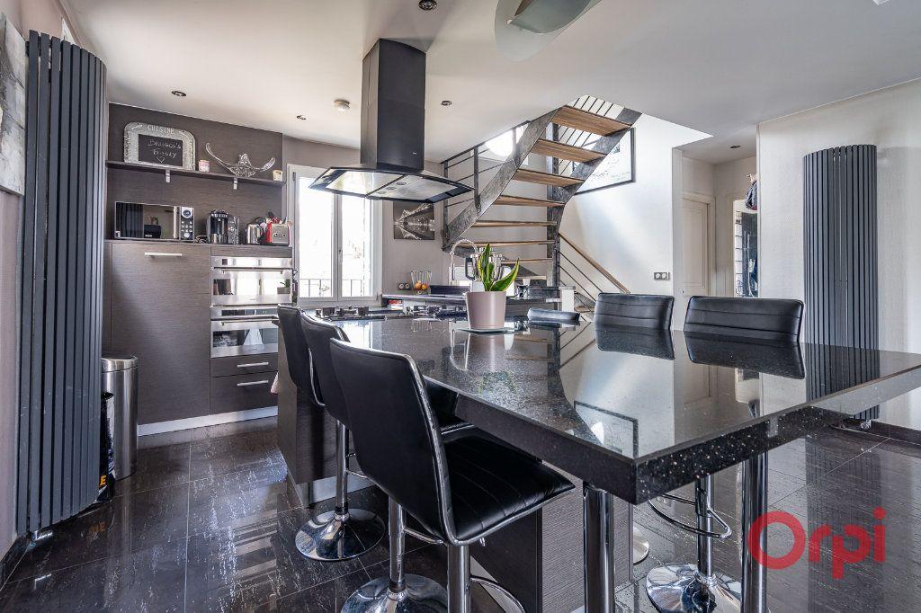 Maison à vendre 6 112m2 à Bonneuil-sur-Marne vignette-5
