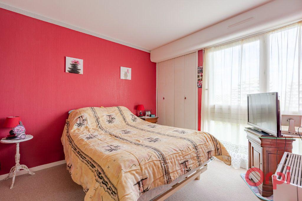 Appartement à vendre 3 74.89m2 à Créteil vignette-5