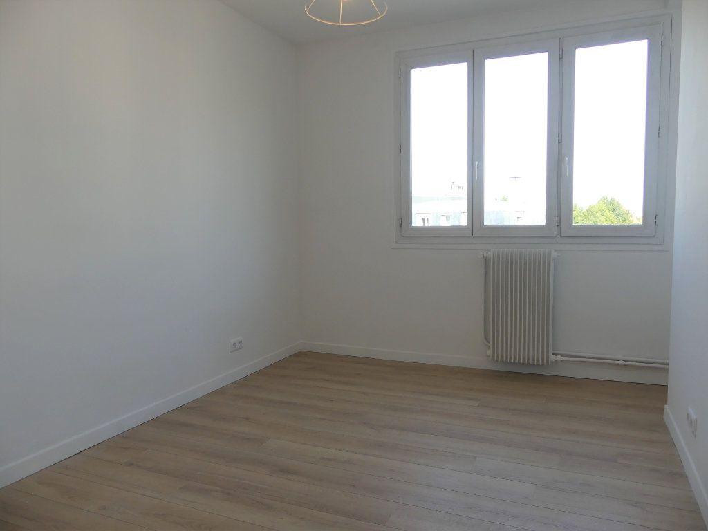 Appartement à vendre 4 71.52m2 à Créteil vignette-5